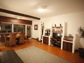 apartment 300 meters away from carcavelos beach - Carcavelos vacation rentals