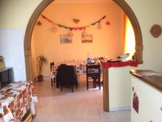 Bright 2 bedroom House in Fondi with A/C - Fondi vacation rentals