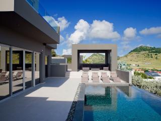 Beautiful Hillside Villa rental with Internet Access - Hillside vacation rentals