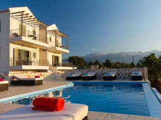Lovely Villa with DVD Player and Central Heating - Apokoronas vacation rentals