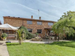 Spacious 4 bedroom House in Romsey - Romsey vacation rentals