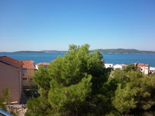 Nice Condo with Housekeeping Included and Television - Brodarica vacation rentals