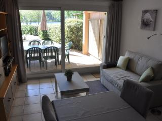 Family waterfront holiday combined with watersport - Hourtin vacation rentals
