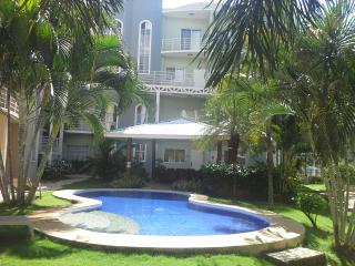 Nice Condo with Internet Access and A/C - Woodbridge vacation rentals