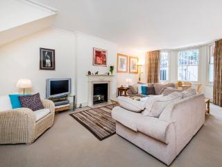 London Guest Suites Rental with 2 Bedroom - London vacation rentals