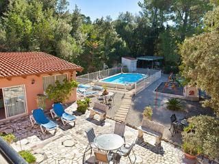 Cozy House with Dishwasher and Garden - Campanet vacation rentals