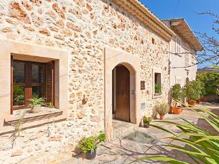 4 bedroom House with A/C in Sineu - Sineu vacation rentals