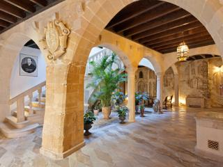 Apartment Plaza Mayor I - Palma de Mallorca vacation rentals
