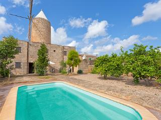 Cozy 3 bedroom House in Algaida - Algaida vacation rentals