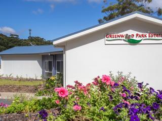 Beautiful 1 bedroom Villa in Batemans Bay - Batemans Bay vacation rentals