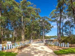 Greenwood Park Estate Luxury Holiday Villas - Batemans Bay vacation rentals