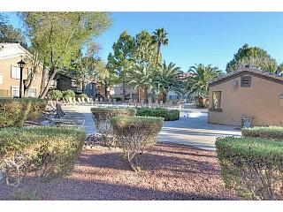 2BD Upstairs Condo–Fireplace–Pool–Gym–WIFI/Cable - Las Vegas vacation rentals