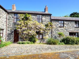 Lovely 2 bedroom Rowen Cottage with Internet Access - Rowen vacation rentals