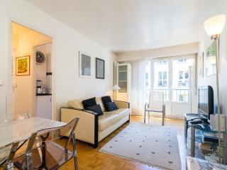 1 Bedroom Flat in Montmartre, Paris - Paris vacation rentals