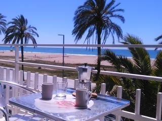 BeachFront Apt.5 with balcony + view by Barcelona - Castelldefels vacation rentals