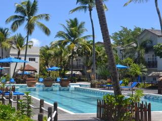 Luxury Poolside Apartment on Beach + Wifi + TV's - Cas En Bas vacation rentals