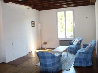 GOUVIEUX-CHANTILLY  maison de ville  3 couchages - Gouvieux vacation rentals