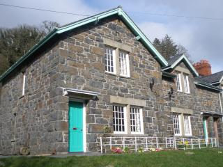 A cottage near the sparkling waters of Lake Vyrnwy - Llanwddyn vacation rentals