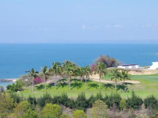 Exquisite Mui Ne Sea-View Apartment - Ham Tien vacation rentals