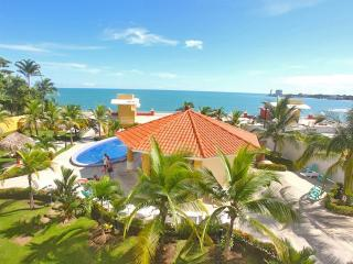 19th Floor Oceanfront Condo-Sleeps 2 - 6 W/ Views - Gorgona vacation rentals
