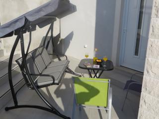 Dubrovnik Icy-house Paris room 2+2 - Dubrovnik vacation rentals
