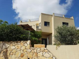Nice 5 bedroom House in Rosh Hanikra with Internet Access - Rosh Hanikra vacation rentals