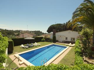 Villa Mestral, pool and walking distance to beach! - Lloret de Mar vacation rentals