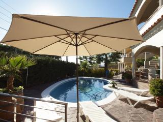 Villa Grace, modern large villa with lovely views! - Blanes vacation rentals