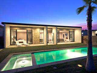 Modern Retreat with Mid Century Architecture - La Quinta vacation rentals