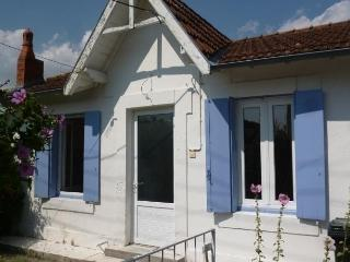 Beautiful 3 bedroom Pontaillac House with Dishwasher - Pontaillac vacation rentals