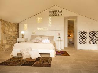 DON AGOSTINO-suite RICAMO - Martano vacation rentals