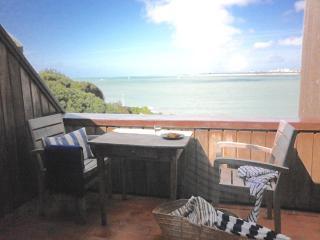 Romantic Condo with Internet Access and Washing Machine - La Rochelle vacation rentals