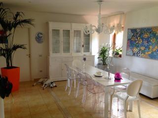 Gorgeous Le Castella vacation Villa with Grill - Le Castella vacation rentals