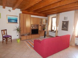 APPARTAMENTO PORTE PRETORIANE nel CUORE di AOSTA - Aosta vacation rentals