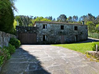 Casa da Cunha Cima - Country house with pool - Paredes de Coura vacation rentals