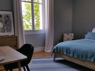 Un havre de paix en centre-ville - Suite familiale - Albi vacation rentals
