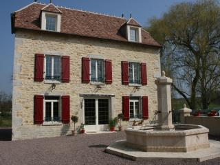 Nice Watermill with Internet Access and A/C - Charenton-du-Cher vacation rentals