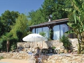 Comfortable 3 bedroom House in Coly - Coly vacation rentals