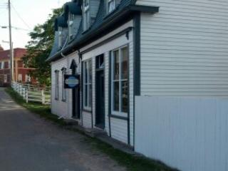 Garland House Dock Lane Trinity NL - Trinity vacation rentals