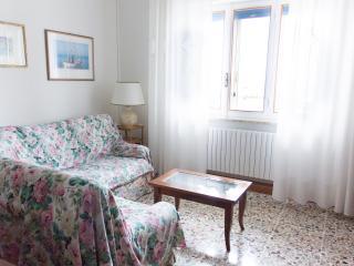 Spazioso Appartamento Fronte Mare - Marzocca vacation rentals