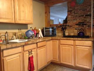 1 bedroom Apartment with Internet Access in Salem - Salem vacation rentals