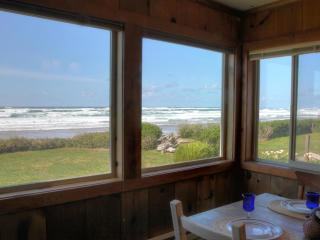 Oceanfront Home on Miles of Sandy Beach! Gameroom! - Yachats vacation rentals
