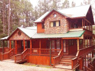 Beautiful 4 bedroom Condo in Broken Bow - Broken Bow vacation rentals