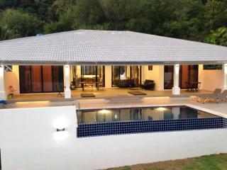 Villa Sanook, for rent, for holidays, Nai harn, 4 bedrooms, Private pool - World vacation rentals