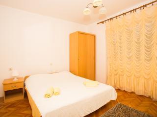 TH02815 Apartments Žarko / Three bedrooms A1 - Rab vacation rentals