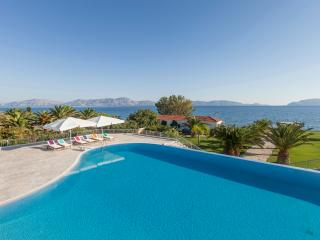 Porto Heli  - Gv - The  Diva Grand Villa on the beach with pool and 6-7 bedrooms sleeps 14+ - Thermisia vacation rentals