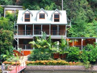 Nice House with Hot Tub and Boat Available - Berowra Waters vacation rentals