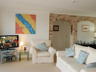 RANGR - Light Filled Two Bedr, Close to Transport - Cremorne vacation rentals