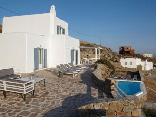 Comfortable Villa with A/C and Private Outdoor Pool - Tourlos vacation rentals