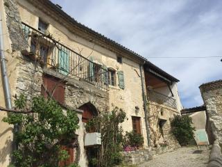 Maison de Village Montclar sur Gervanne - Beaufort-sur-Gervanne vacation rentals